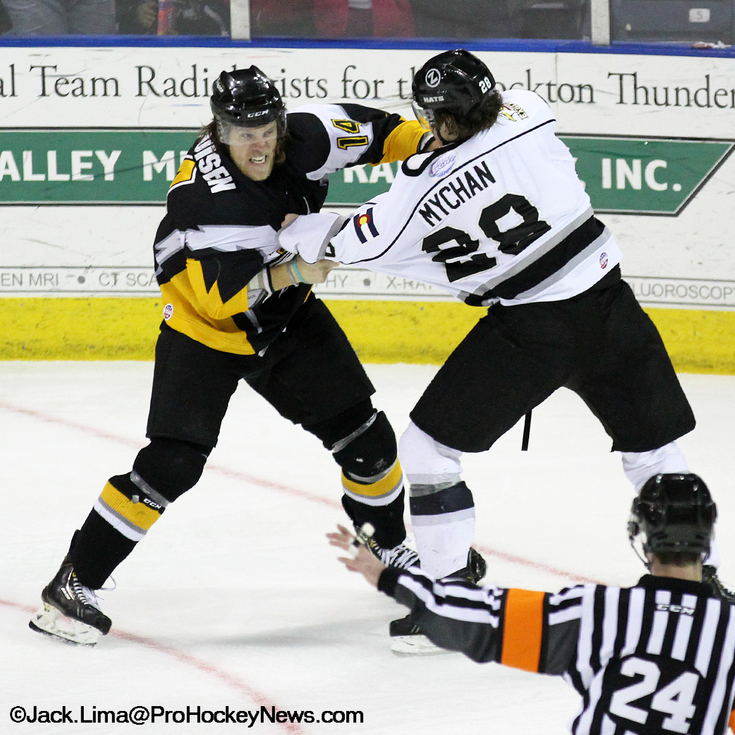 Colorado Eagles Soar Past Stockton Thunder 7-5