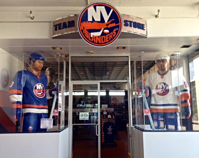 official photos a5e19 105b4 NHL Wanderlust: Nassau Veterans Memorial Coliseum   The Pink ...